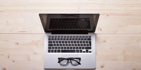okulista1 480x240 - Jak oszczędzać oczy w pracy przy komputerze?