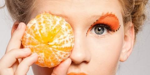 woman 804068 1280 480x240 - Suplementacja diety w profilaktyce zwyrodnienia plamki żółtej (AMD)